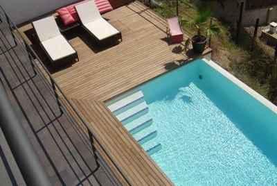 Современный дом на побережье в Испании с видом на море и собственным бассейном